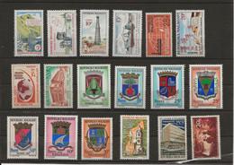 Madagascar YT 372/9, 388/395  Armoiries, Scouts N** MNH - Madagascar (1960-...)