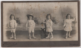 Photo Originale XIXème Montage Surréalisme 4 Fois La Même Petite Fille Jeu Par Fontaine D'albert Marseille - Old (before 1900)