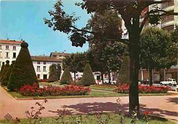 69 - Villefranche Sur Saone - Les Jardins De Thôtel De Ville - Automobiles - Fleurs - Carte Neuve - CPM - Voir Scans Rec - Villefranche-sur-Saone
