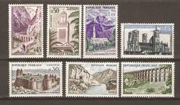 France 1960 - Série Touristique - Série Complète De7 Timbres MH - 1235/41 - Grand Bénard - Chaumont - Sioule - Tlemcen.. - Lots & Kiloware (mixtures) - Max. 999 Stamps