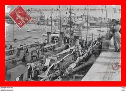 CPSM/pf BATEAUX. Marine De Guerre. Torpilleur Dans L'Avant-Port...S2242 - Guerra