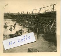 Ardennes. BLAGNY. Pont Provisoire, Sur La Chiers, Construit Par Les Allemands Sur Les Restes Du Pont De Fer - 1939-45