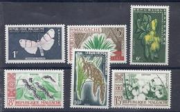 210038672  MADAGASCAR. YVERT Nº  344+346/350  */MH - Madagascar (1960-...)