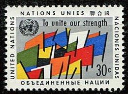 Nations Unies - New York** N° 88 - Série Courante. Drapeaux - Nuovi