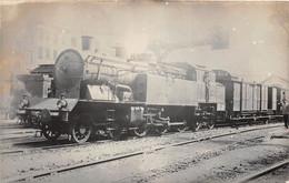¤¤   -  Carte-Photo D'une Locomotive Ancienne   -  Chemin De Fer Du P.L.M.  -  Cheminots      -  ¤¤ - Equipment