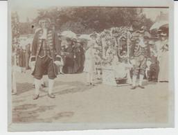 Mons Fête Des Fleurs 1905 PHOTO ORIGINALE Détail Du Groupe Marché Aux Fleurs Au Cours-La-Reine Marquis Et Marquise - Mons