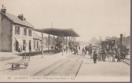 LA BAULE - LA GARE ET ARRIVEE D UN TRAIN - La Baule-Escoublac