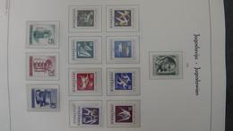 S81 Collection De Yougoslavie Sur Feuilles LEUCHTTURM En Timbres Et Blocs ** De 1960 à 1969 à Compléter.  A Saisir !!! - Collections (with Albums)