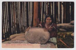 PANAMA  NATIVE WOMEN MEALING CORN - Panama