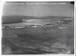 Serv. Photo. C.E. Air Versailles Villacoublay 18 Juillet 37-17h Descente Parachutes ( Ancienne Photo Avion - Aviation ) - Luchtvaart
