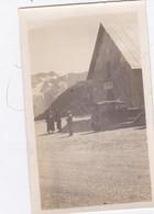 Photo De Particulier Hautes Alpes Col Du Lautaret Auberge Et Vehicule A Identifier Circa 1930 Réf 4043 - Luoghi