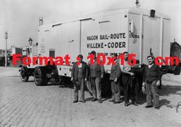 Reproduction Photographie Ancienne D'un Camion Tractant Un Wagon Container Willeme-Coder Chemins De Fer P.L.M 1935 - Reproductions