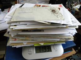 Vrac De Plus D'1,100kg De Courriers Divers, Enveloppes, Cartes Postales à Trier. - Lots & Kiloware (mixtures) - Max. 999 Stamps