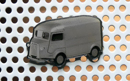 Pin's CITROËN FOURGON H Le Tube - Collection Utilitaires - Citroën