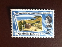 Norfolk Island 1977 Silver Jubilee MNH - Norfolk Island