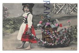"""Petite Fille Alsacienne Et Brouette Avec Panier De Fleurs: """"Souvenir"""" - Gruss Aus.../ Grüsse Aus..."""