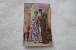 BELLE CARTE FANTAISIE...BEAU JEUNE COUPLE AMOUREUX - Couples