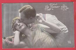 CPA- Le Baiser Calin- Couple Scène Tendresse Amoureuse - 2 Scans ** - Couples