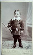 BOURG En BRESSE  Photo CDV Enfant - Garçonnet Debout Avec Sa Trompette - 1903 - TBE - Old (before 1900)