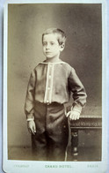 Photographie CDV Enfant - Jeune Garçon Debout Accoudé - Mode D'époque - Circa 1870 - Photo Chambay, Paris - TBE - Antiche (ante 1900)