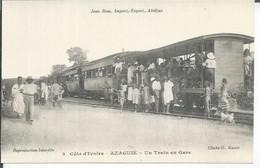 2 - AZAGUIE - UN TRAIN EN GARE  ( Animées  ) - Ivory Coast