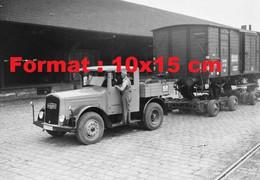 Reproduction Photographie Ancienne D'un Camion Avec Unwagon Container Convertible Pour Les Rails Chemins De Fer P.L.M - Reproductions