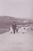 Photo De Particulier Neuchâtel Mr Grossman Et Ses Enfant Germaine, Lucy Et Willy  1897 Réf 4061 - Unclassified