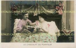 Un Couple Au Lit Dégustant Son Chocolat Du Planteur - Advertising