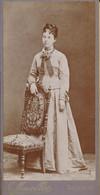 CDV (6,5 X 13 Cm) - Portrait De Femme Par Mauvillier à Besançon (BP) - Antiche (ante 1900)