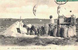 H1004 - Les Marais Salants - D44 - La Mise En Sac Et Pesage Du Sel - Altri Comuni
