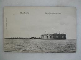 MILITARIA - CHERBOURG - La Digue Et Fort De L'Est - Caserme