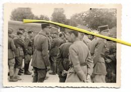 MIL 084 OFFICIERS PRISONNIERS FRANCAIS   1940 PEUT ETRE AMIENS - Oorlog, Militair