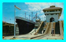 A841 / 325 PANAMA Esclusas De Gatun Canal De Panama - Panama