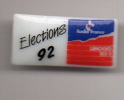 PIN S  PORCELAINE   THOSCA LIMOGES       -   ELECTIONS 92   -   RADIO FRANCE - Non Classificati