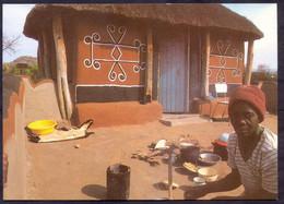 Bostwana < A Beatifully Decorated Home. Lesenopole > Ref. No. 59 148x105mm - Botswana