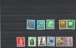Japon 1976 à 1984 Lot De 11 Timbres Série Courante ** Neufs Sans Charnière - Cote 23,80 Euros  Voir Description - Fleurs - Ungebraucht