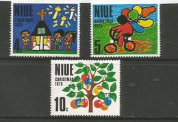 Niue - 1975  Christmas MNH **     SG 193-5   Sc 174-6 - Niue