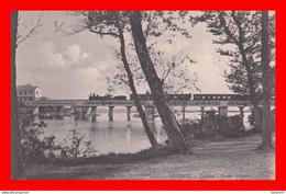 CPA  CHIAVARI (Italie). Entella Ponte Ferroviario. ..E562 - Treni