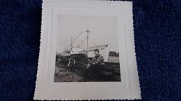 PHOTO  PORT BAYONNE  VELO HOMME BATEAU  FORMAT 8.5 PAR 8 CM - Barche
