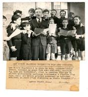 Photo De Noël-Noël Avec Les Petits Chanteurs à La Croix De Bois / Film : La Cage Aux Rossignols / Années 1940 - Beroemde Personen