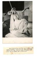 Photo D'Edwige Feuillère Et Lise Delamarre / Pièce De Théâtre De Giraudoux : Sodome Et Gomorrhe / Années 1940 - Famous People