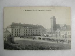 MILITARIA - GRAVELINES - La Caserne - Esplanade (très Animée) - Caserme