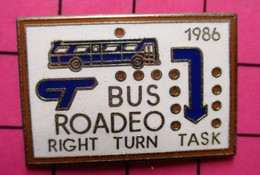 113b Pin's Pins / Beau Et Rare / THEME : TRANSPORTS / AUTOBUS ROUTIER BLEU CANADIEN 1986 BUS ROADEO - Trasporti