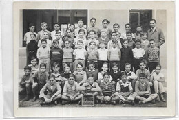 PHOTOGRAPHIE. LIEUX D 13. AUBAGNE. PHOTO DE CLASSE AN 1937/38. PHOTOGHAPHE MAD PAULIN.  DIM 180 X 130 - Places