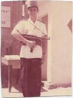 PHOTOGRAPHIE. MILITAIRE EN TENUE. DIM 85 X 60 - War, Military
