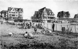 De Haan  Le Coq Sur Mer  Plage Et Digue  Strand En Zeedijk Fotokaart      Barry 8502 - De Haan
