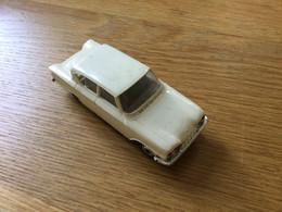Ancienne Voiture Norev 74 : Ford Consul 315 Blanche (~1965) Pas De Boîte - Jugetes Antiguos