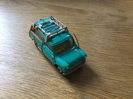 Ancienne Voiture Corgy-Toys : Austin Mini Countryman (~1965) Pas De Boîte . 1 Roue Abîmée - Jugetes Antiguos
