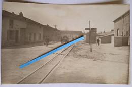 1915 1916 Hannonville Voie Ferrée Réduite Decauville Village Kantine Occupation Allemande  Tranchée Poilu Photo Ww1 - Guerra, Militari