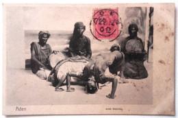 VARIE YEMEN ADEN ARAB DANCING Formato Piccolo. Affrancata E Timbrata Sul Davanti Nel 1902. Non Viaggiata Condizioni Buon - Yemen